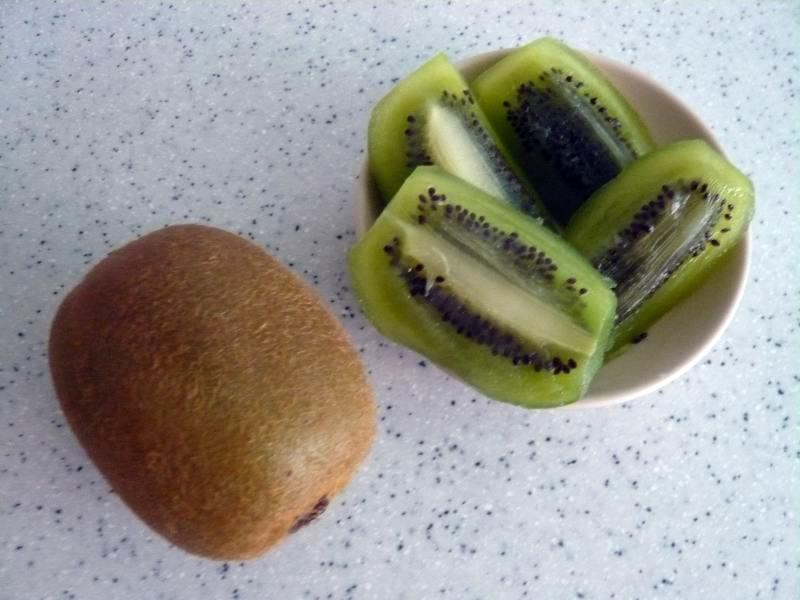 My Healthy Dessert Snack: Kiwi Fruit
