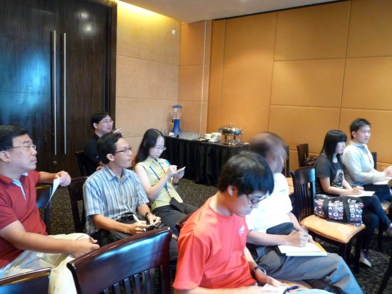 grooming_workshop_mensa_singapore_participants_img