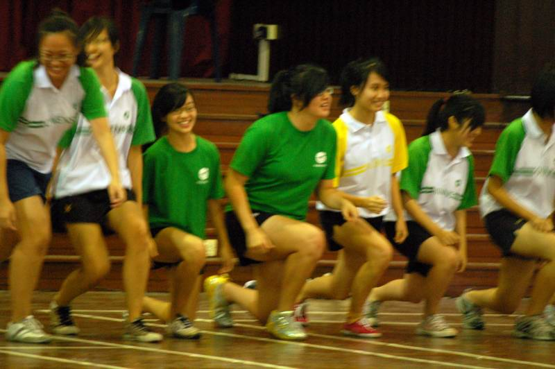 jurong_junior_college_lunges_exercise_img