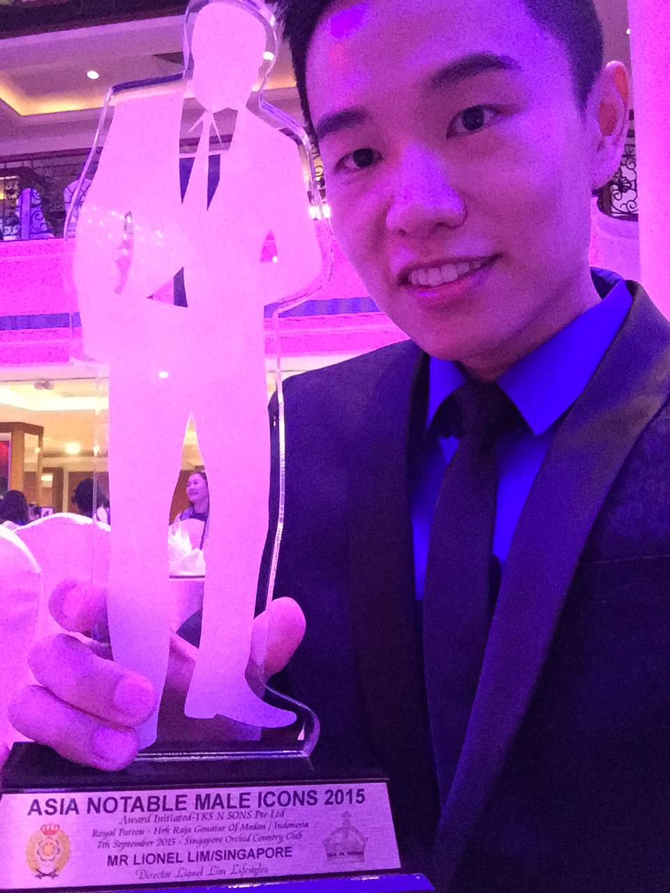 Lionel Lim Receives Asia Notable Male Icon 2015 Award